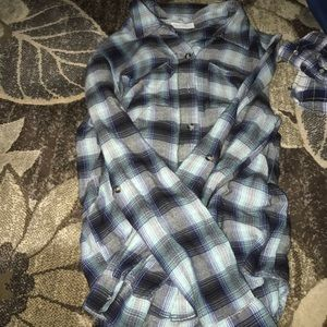 Super comfy and super soft flannel size small